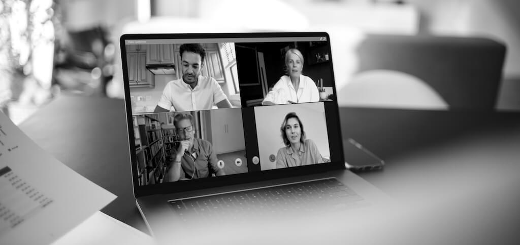 Reunião online através de uma aplicação de video chamadas
